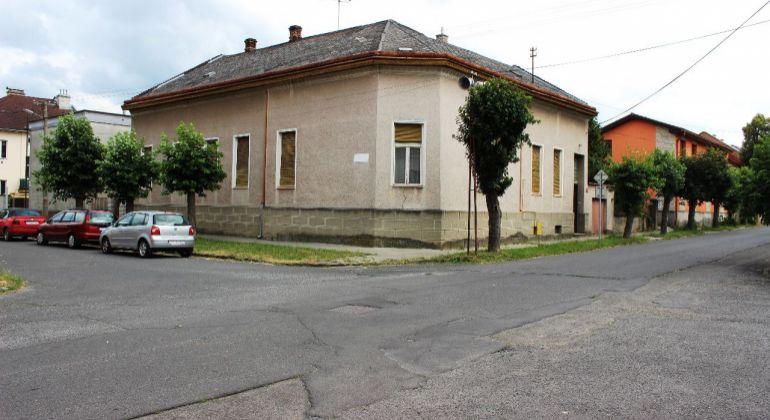 Predaj Rodinné domy Lovinobaňa
