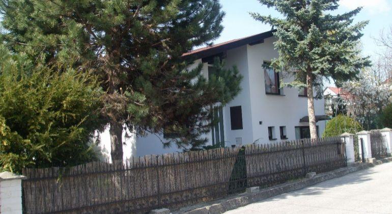 EXKLUZÍVNE Predaj / Rodinný dom Bojnice, časť Dubnica/ 400 m2