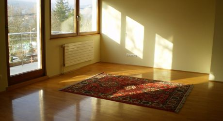 Prenájom 4 izbového bytu so samos. vchodom v rodinnom dome na ulici Segnare v lamači