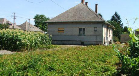 NOVÁ CENA! PREDAJ - rodinný dom v obci Pataš okr. DS
