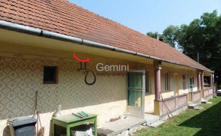 GEMINIBROKER Vám ponúka na predaj rodinný dom gazdovského typu v obci Fuzérkomlós v Maďarsku