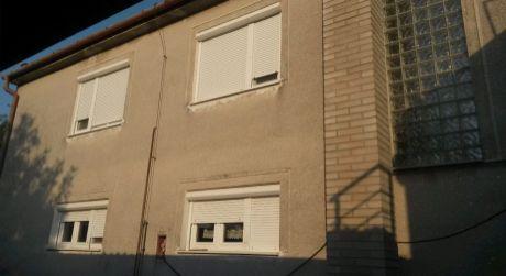 Ponúkame na predaj 5 - izbový rodinný dom v Kolárove.