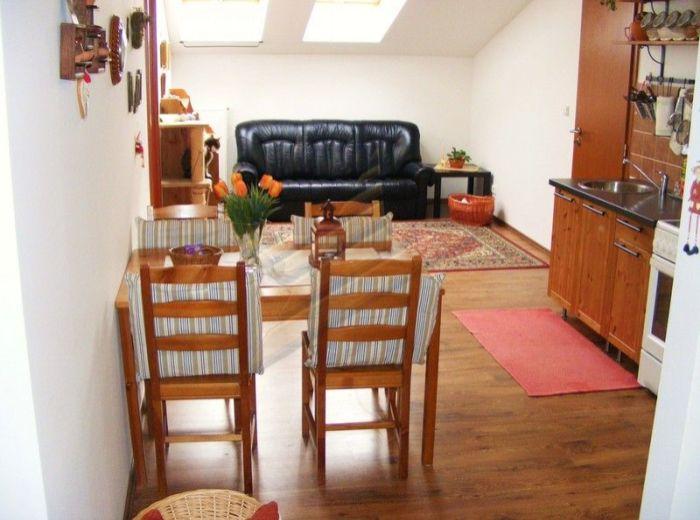 PREDANÉ - MILOSLAVOV - ALŽBETIN DVOR, veľký 3-i byt, 104 m2 - s vlastným plynovým kotlom, na skok od prírody, V KVALITNEJ TEHLOVEJ NOVOSTAVBE