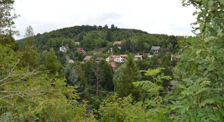 Predaj exkluzívneho stavebného pozemku v obci Limbach v blízkosti lesa