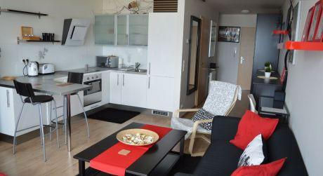 III VEŽE - krátkodobý prenájom exkluzívneho štúdio Apartmánu na 20. posch. s krásnym panoramatickým výhľadom na mesto a športoviská