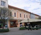 Na prenájom atrakt.priestor v centre mesta o výmere 80m2, výklad, S.N.Ves .