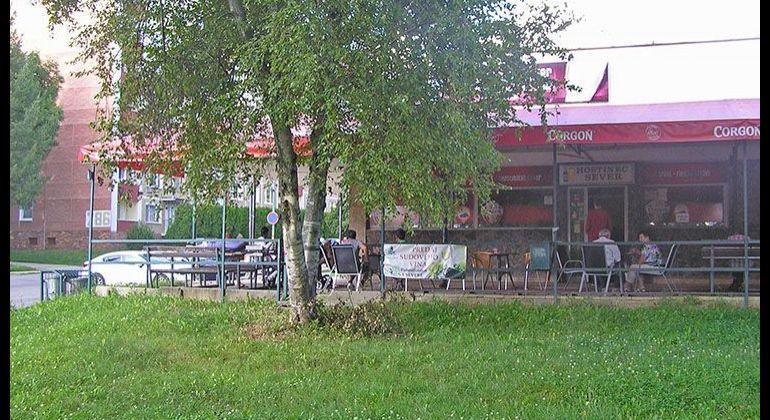 SEVER / Komerčná Budova na predaj / Bánovce nad Bebravou