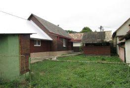 Rezervované ! Exkluzívna ponuka rodinného domu po čiastočnej rekonštrukcii, Mestečko okr. Púchov, 1 634 m2