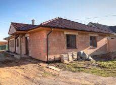 Košúty (GA): Predaj novostavby (2014) bungalow - 4izb RD úžt. 174m2 pozemok 880m2