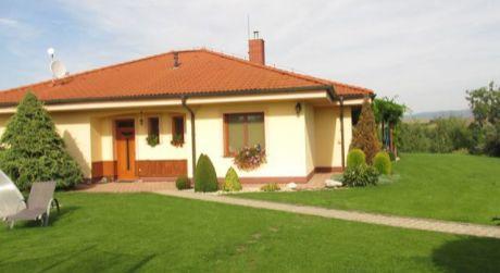 Bungalov  v Sľažanoch  20 km od Nitry