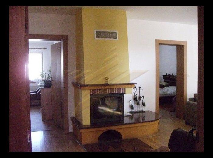 PREDANÉ - DUNAJSKÁ LUŽNÁ - Orechová ul., 6-izbový, 2-generačný dom, 224 m2 - s pozemkom 806 m2, VŠETKY IZBY S VLASTNÝM ŠATNÍKOM