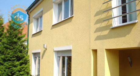 Na predaj komplet zrekonštruovaný rodinný dom 4+1, Piešťany - centrum