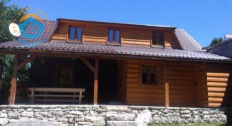 Na predaj 4 izbová chata / chalupa / drevenica, 2 km od Terchovej