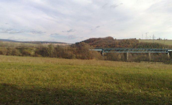 Predáme pozemok v peknom prostredí v obci Lubina časť Hrnčiarové.