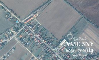 Na predaj veľmi pekný pozemok v Borčiciach