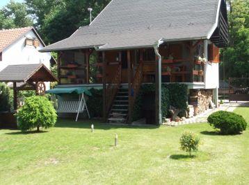 Jakubov, na predaj nádherná chata pri jazere aj na celoročné bývanie, cena: 76.990,-€