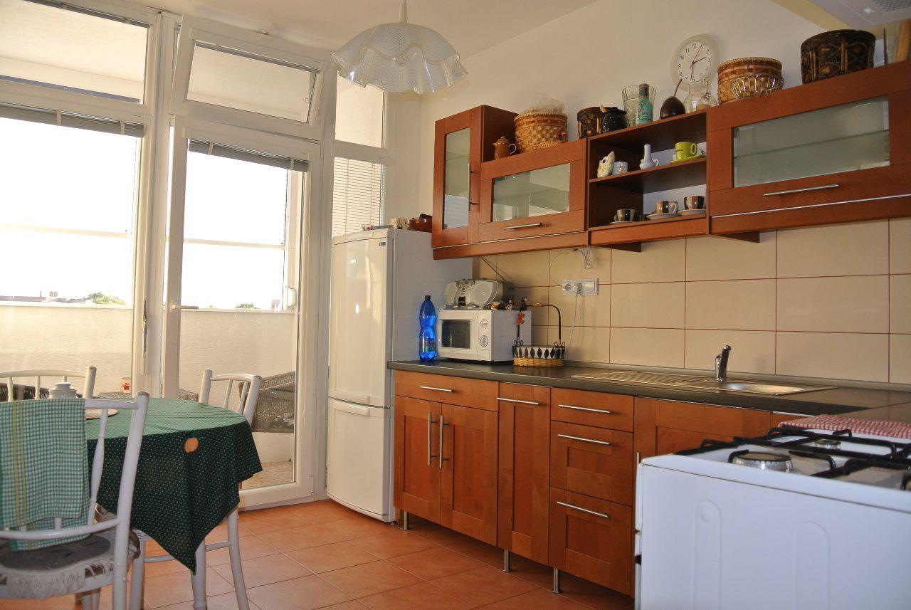 2-izbový byt-Predaj-Prievidza-41990.00 €