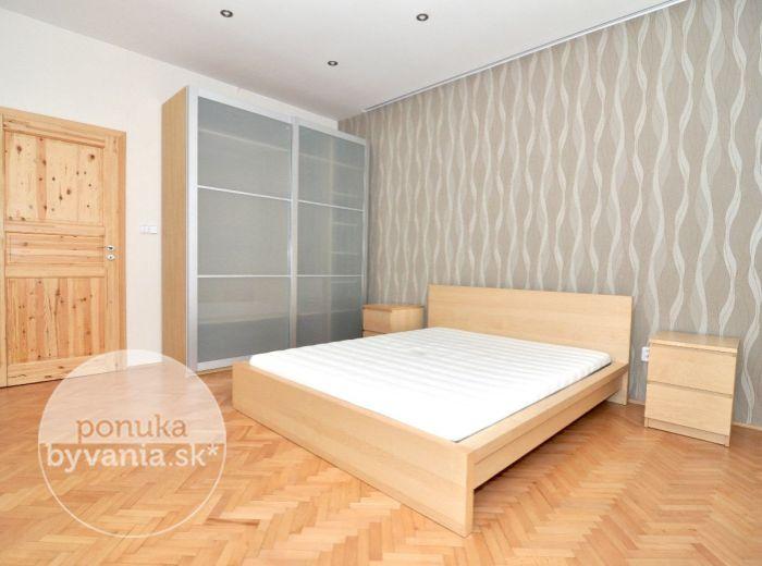PREDANÉ - LEŠKOVA, 2-i byt, 60 m2 – kompletná rekonštrukcia, VLASTNÉ KÚRENIE, byt celý orientovaný do tichého dvora
