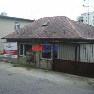 Starý rodinný dom s pozemkom o veľkosti 3,7 ára na Hrebebndovej ul.