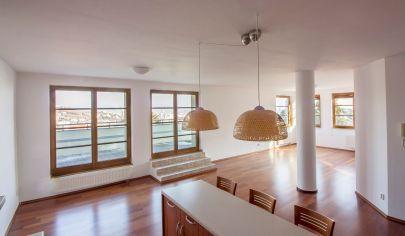 Exkluzívny 3-izb.byt pod Slavínom s veľkou terasou a nádhernými výhľadmi