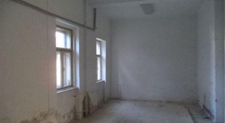 VÝHODNÁ PONUKA!!Na predaj, alebo PRENÁJOM  polyfunkčná budova v Šuranoch...NOVÁ CENA !!!