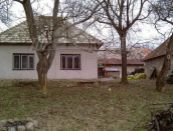 Vidiecka usadlosť, rodinný dom s rozsiahlymi pozemkami 9,2 ha