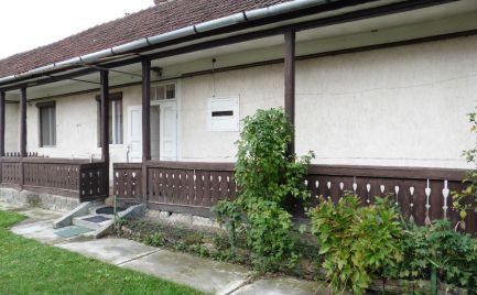 GEMINIBROKER Vám ponúka na predaj rodinný nový dom v obci Füzérkomlós v Maďarsku