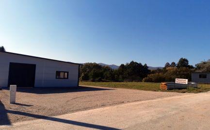 Pozemok pri hlavnej ceste E571 Rv smer Brzotín