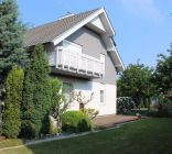 Rodinný dom s 2 samostatnými bytmi, pozemok 1339m2
