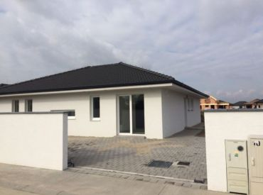 Predaj krásneho bungalovu v obci Rovinka vo vyhotovení v štandarde !!! za skvelú cenu 224.990,-EUR !!!