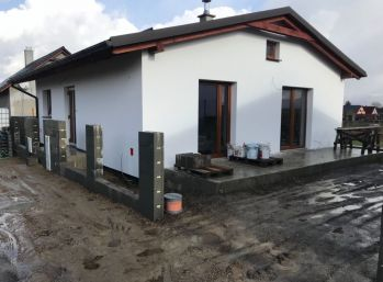 Rozostavaný rodinný dom v obci Valča