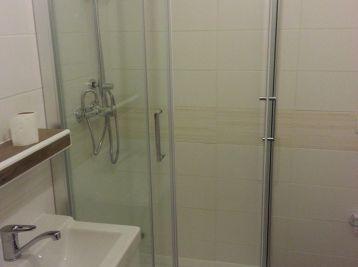 BA-Petržalka, zrekonštruovany 2 izb. byt na prenájom ul. Nám. Hraničiarov, Super cena: 520,-€ vr.energií
