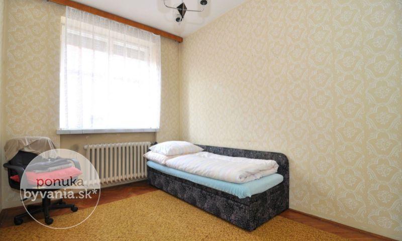 ponukabyvania.sk_Brigádnická_Rodinný-dom_archív