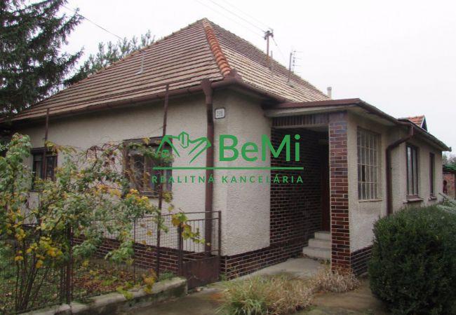 Predáme rodinný dom - Sľažany (430-12-AFI)
