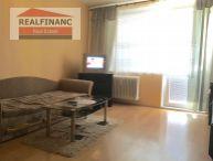 REALFINANC - Veľký 3.-izb. byt, 2x balkón, 70 m2, pivnica, neprechodné izby, zatepl. bytovka, čiast. rekonštrukcia, ul. G. Goliana