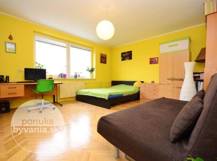 PREDANÉ - MARTINENGOVA, 1-i byt, 38 m2 - vynikajúca investícia, TEHLOVÝ byt v blízkosti HORSKÉHO PARKU, ihneď voľný