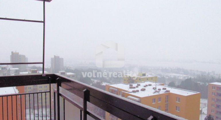 ***PREDANÉ***  3 izbový byt, 73m2, loggia, kompletná rekonštrukcia, Trenčín, Juh