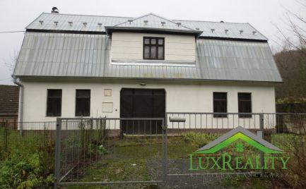 Dom, Bzince pod Javorinou, časť Vrzávka