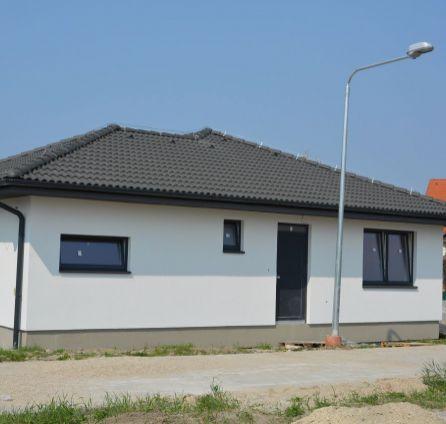STARBROKERS –  PREDAJ 5 izbového bungalovu v Bernolákove