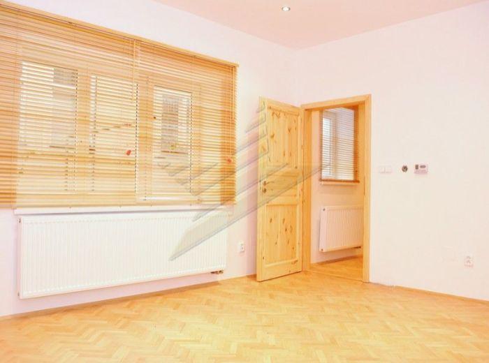 PRENAJATÉ - LEŠKOVA, 2-i byt, 57,5 m2 - prenájom KANCELÁRIE, SÍDLO FIRMY PRIAMO V CENTRE