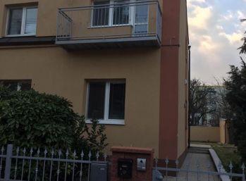 Reality Štefanec /ID-10122/ BA-Nové Mesto,  NOVO REKONŠTRUOVANÝ 5 izb. RD na prenájom Bardejovská ul., cena: 1.300,-€/mes + energie