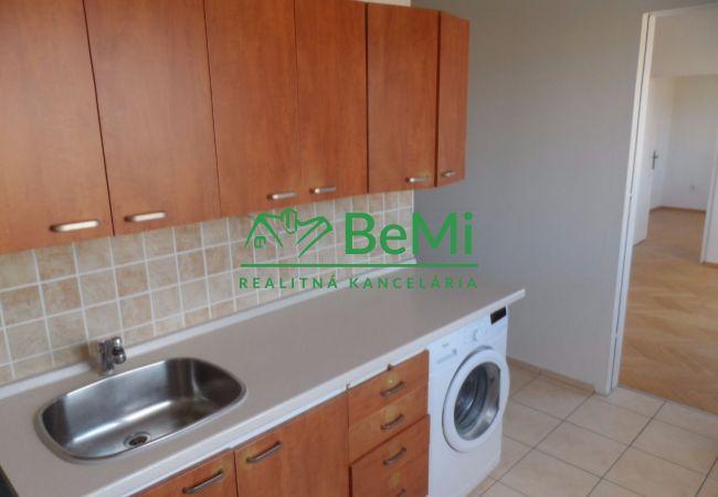 Prenájom: Krásny veľký slnečný 2 izbový byt s balkónom Fončorda (060-112-BB)