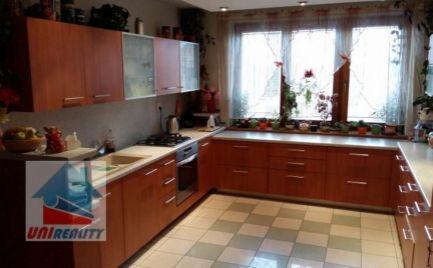 RD v BÁNOVCIACH nad BEBRAVOU – 6 – izbový dom s garážou