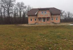 Dom na samote pri ramene Dunaja