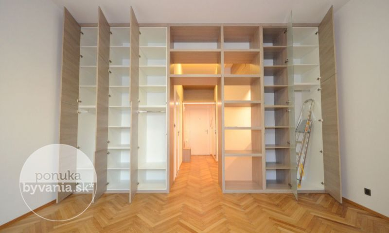 ponukabyvania.sk_Hviezdoslavovo námestie_1-izbový-byt_archív