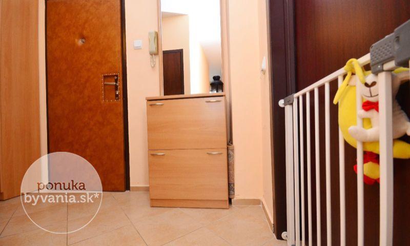ponukabyvania.sk_Medveďovej_3-izbový-byt_KOVÁČ