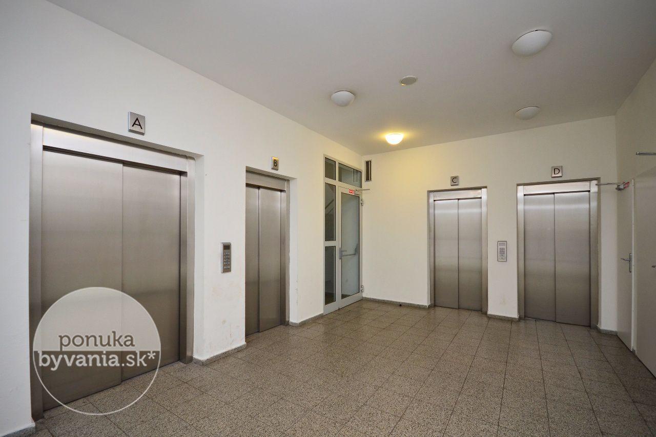 ponukabyvania.sk_Námestie Hraničiarov_3-izbový-byt_KOVÁČ