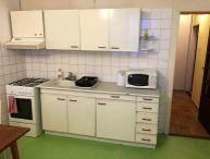SUPER LOKALITA !! Priestranný 3.-izb. byt, 2x balkón, 74 m2, murovaná pivnica, ul. Spartakovská