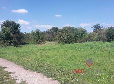 2,3 ha v zastavanom území obce Horné Obdokovce