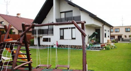 Predaj - Kompletne prerobený 5 izbový rodinný dom v Novej Stráži